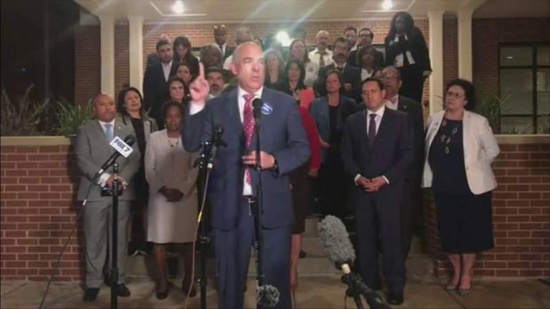 Los demócratas caminan, detienen las amplias restricciones de votación del Partido Republicano de Texas
