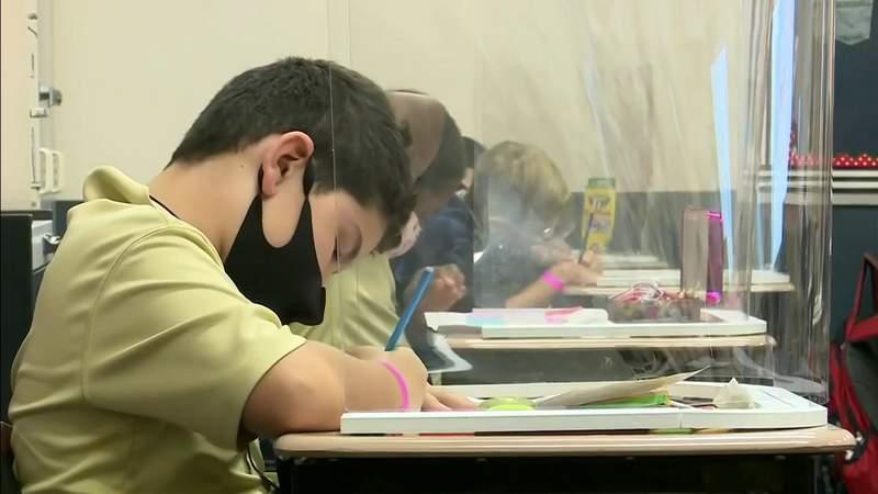 Masks won't be mandatory at Florida schools in the fall