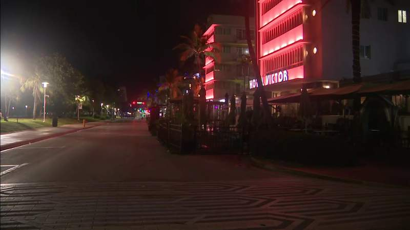 2 people stabbed in Miami Beach near 12th Street and Ocean Drive