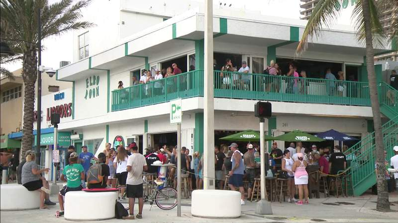 SoFla bars packed after Florida governor announces OK to openings in Phase 3