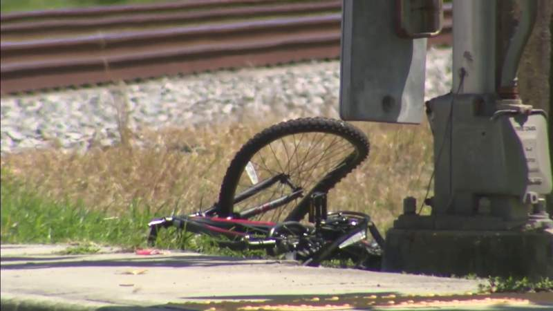 Bicyclist hit by train in Miami Shores