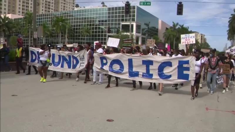 Juneteenth rally turns into march of protesters in Fort Lauderdale