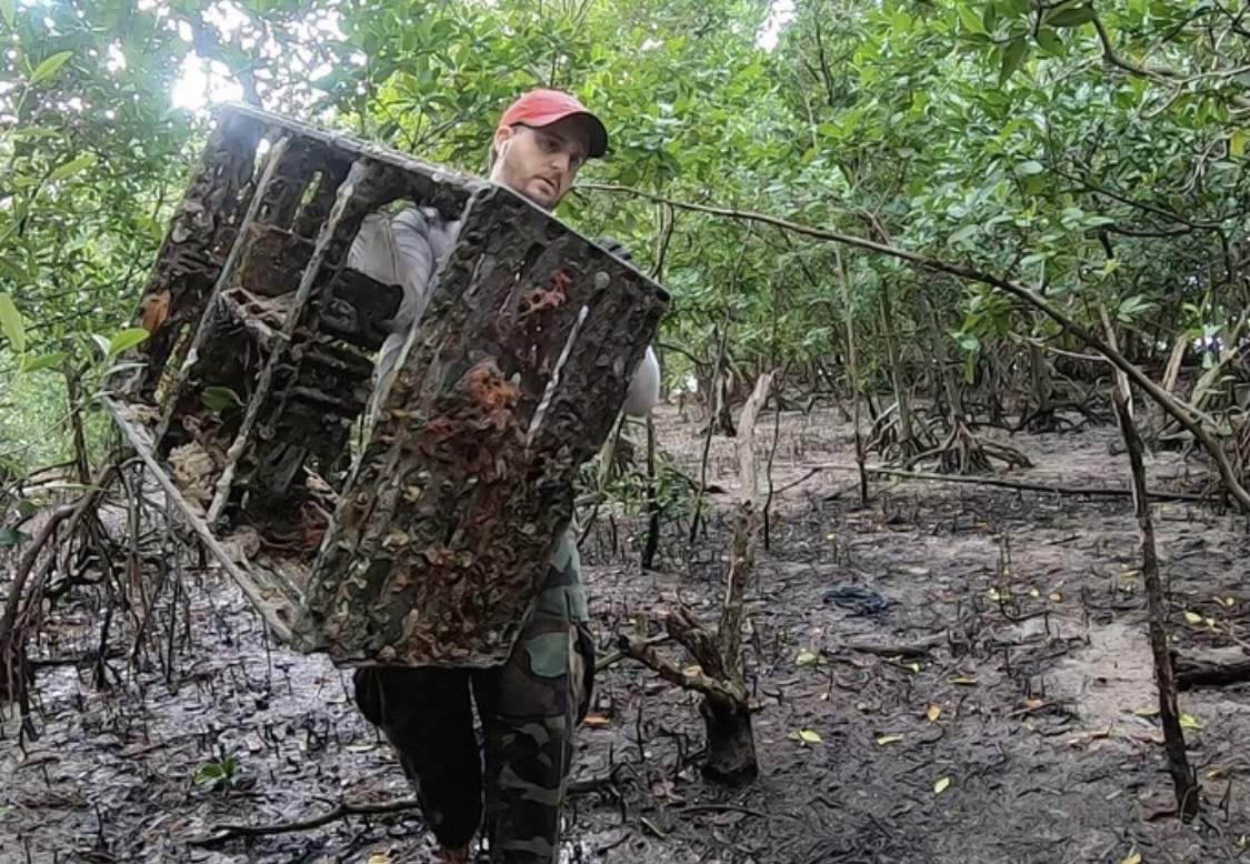 Miami resident picks up nearly 14,000 pounds of trash from Florida mangroves in 100 days