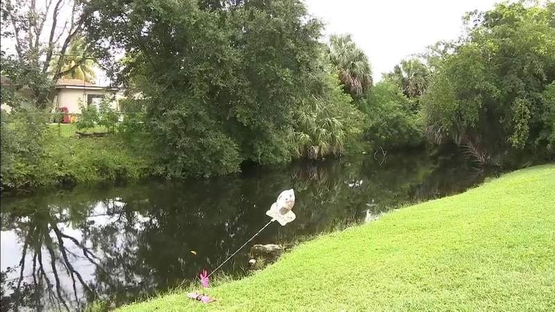 Detectives work on identifying 2 girls found dead in Lauderhill canal