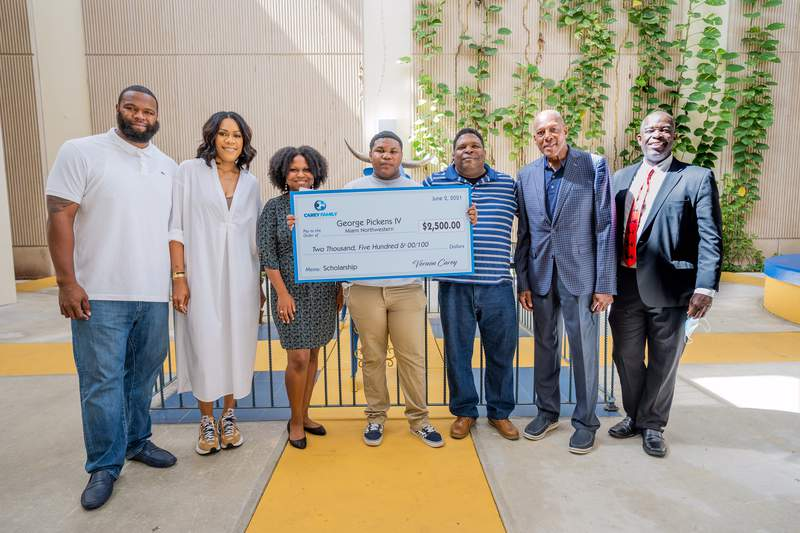 George Pickens IV of Miami Northwestern is one of the recipients of scholarships from the Carey Family Foundation.