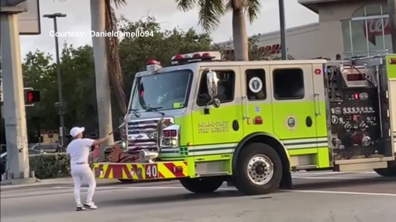 Man arrested after slamming bat into Miami-Dade Fire Rescue vehicle,