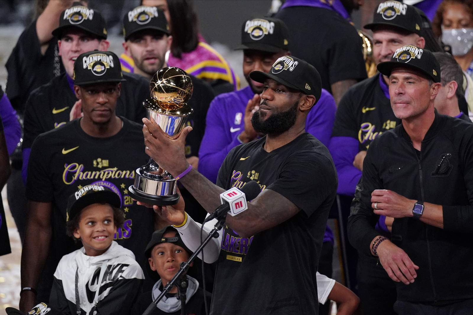 Lakers dominate Heat in Game 6 as LeBron James grabs 4th NBA title