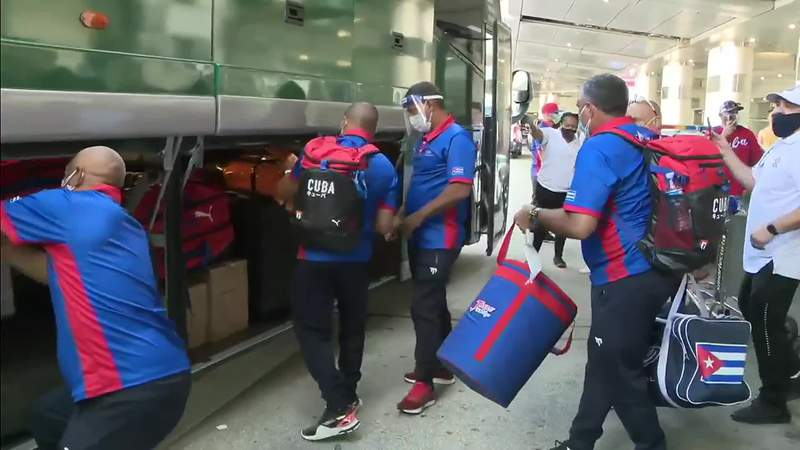 Cuban baseball team arrives at MIA on Wednesday.