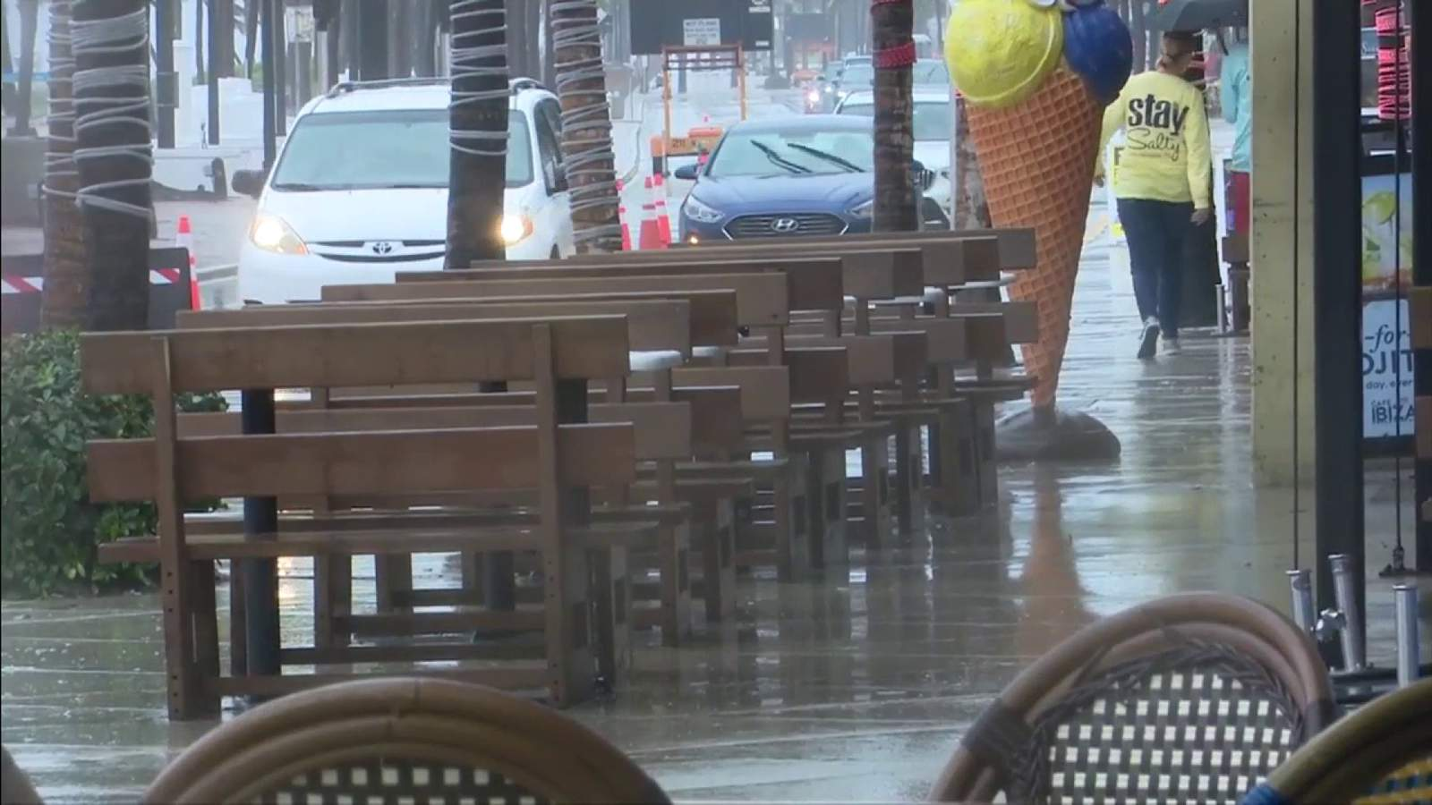 Not much activity on Memorial Day weekend amid pandemic, soggy streets