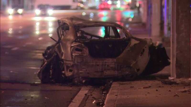 2 killed in crash in northwest Miami-Dade