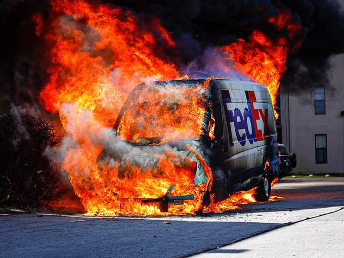 FedEx truck catches fire in Lauderhill