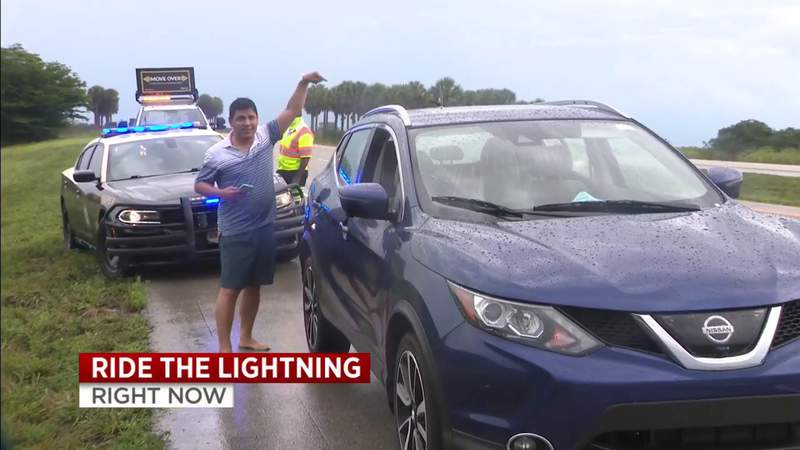 Car struck by lightning in Broward County