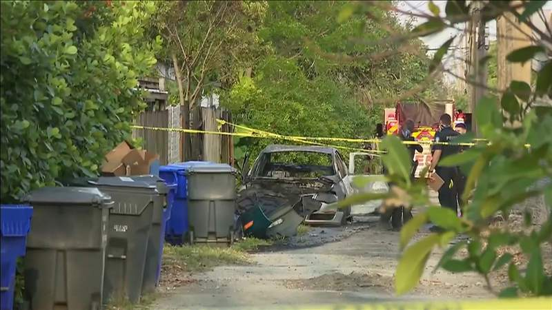 Body found burned in scorched car in Hollywood