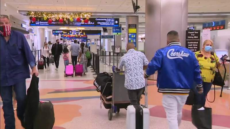 Holiday travel season remains busy in South Florida