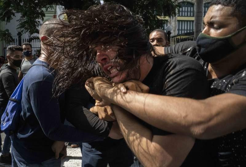 Una protesta en La Habana el 11 de julio del 2021. (Foto AP/Ramon Espinosa, File)