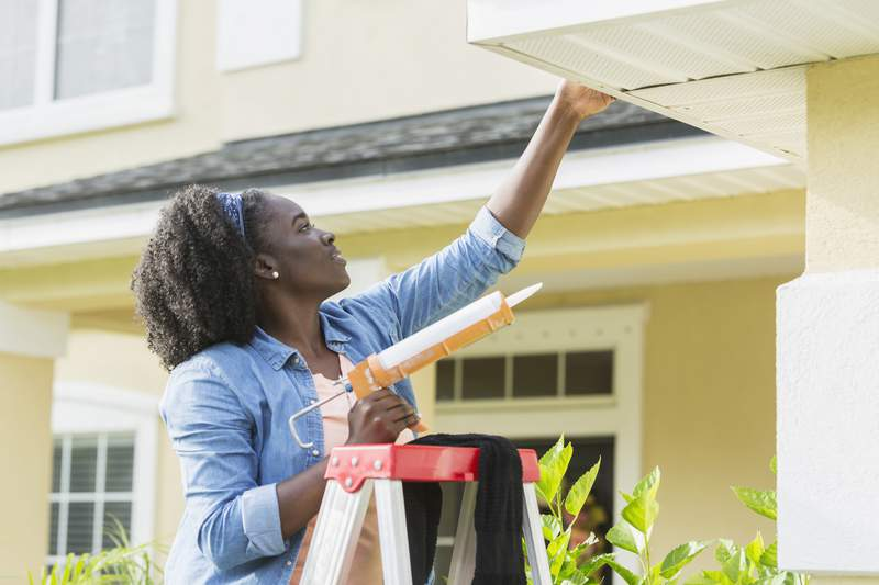 President and CEO of Federal Alliance for Safe Homes (FLASH) Leslie Chapman-Henderson shares quick and easy ways to help you get your property ready to weather the storm.