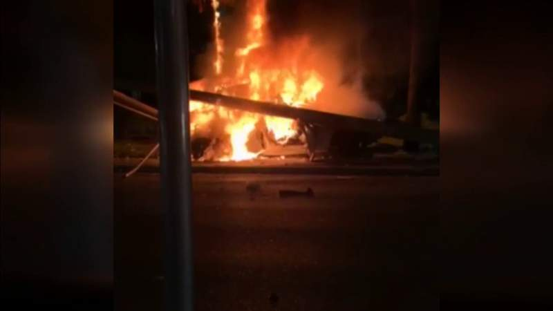 Car bursts info flames in Fort Lauderdale early Saturday