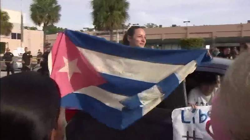 Floridians show solidarity with historic Cuban protests