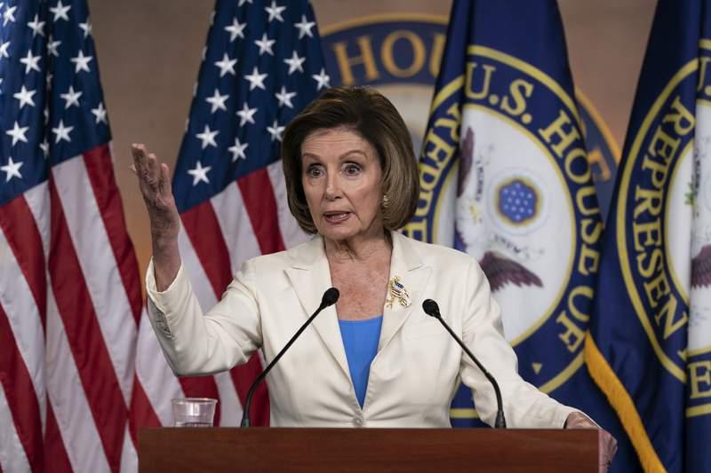 La presidenta de la Cmara de Representantes, Nancy Pelosi, habla en conferencia de prensa en el Capitolio, en Washington, el jueves 24 de junio de 2021. (AP Foto/Alex Brandon)