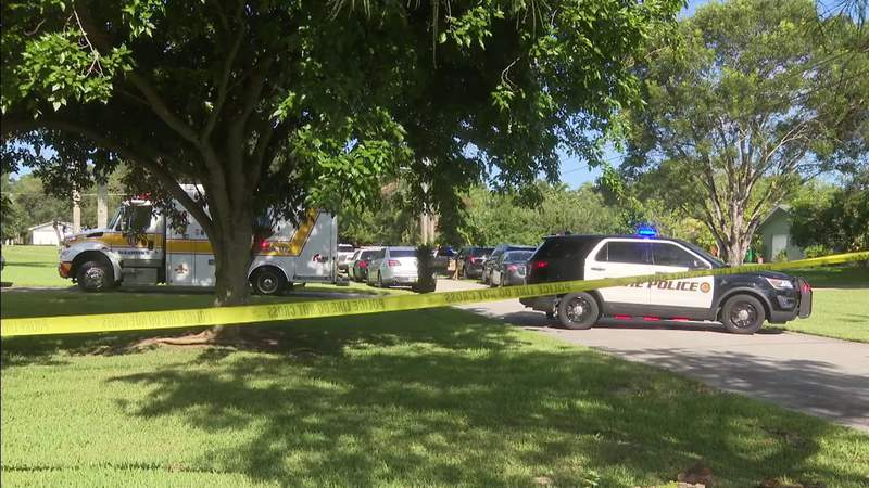 Police say Davie father killed 11-year-old daughter before turning gun on himself