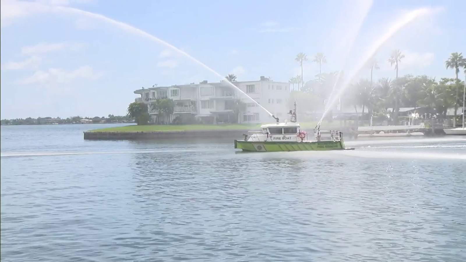 Miami-Dade fireboats hit the water to help with major fish kill in South Florida waters