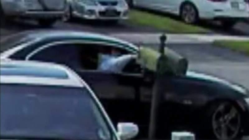 Thieves target mailboxes in Pembroke Pines neighborhood