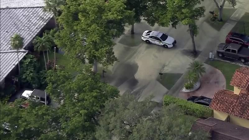 Water main break causes flooding in Miami Lakes