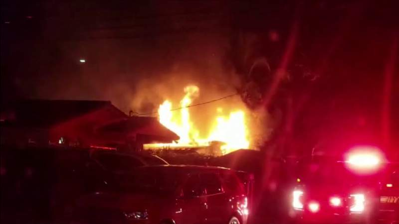 Duplex fire in Miami displaces several residents
